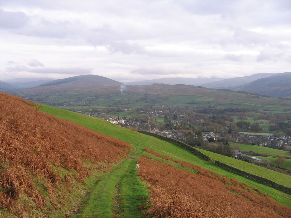 photo of the way down from Winder fell