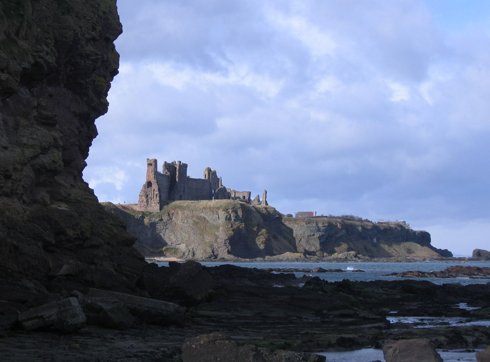 Tantallon castle, cliff view